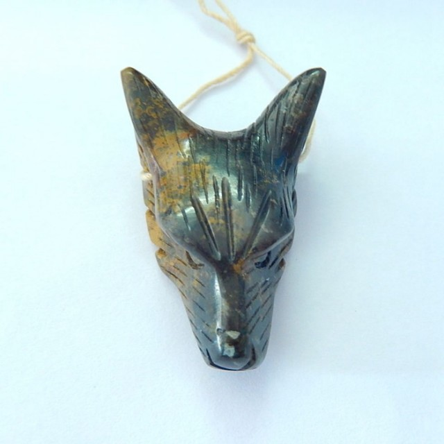 66ct Natural Agate Carved Wolf Head Pendant (17091608)