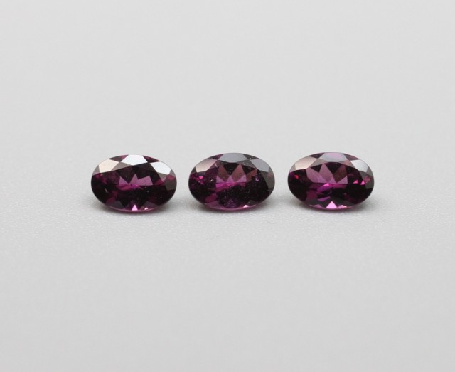 GRAPE GARNET OVAL PARCEL
