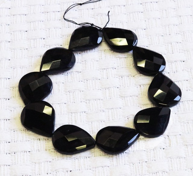 Faceted Black agate strand beads GOGO 1772