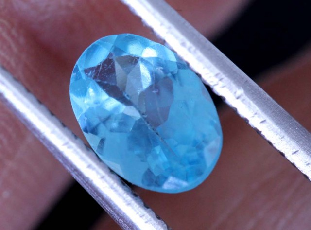 BLUE ZIRCON FACETED STONE 0.65  CTS PG-461