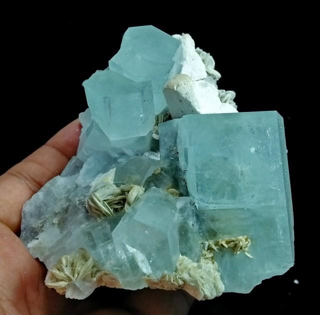 See Vdo ~ 392 Gram Natural~Unheated~Terminated~ Blue Aquamarine Mineral Spe