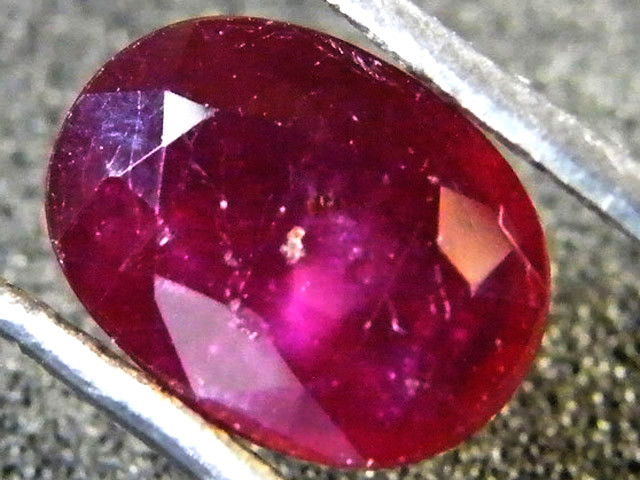 EYE CLEAN POMERGRANATE CRIMSON DEEP RED RUBY 1.80 CTS RM 19