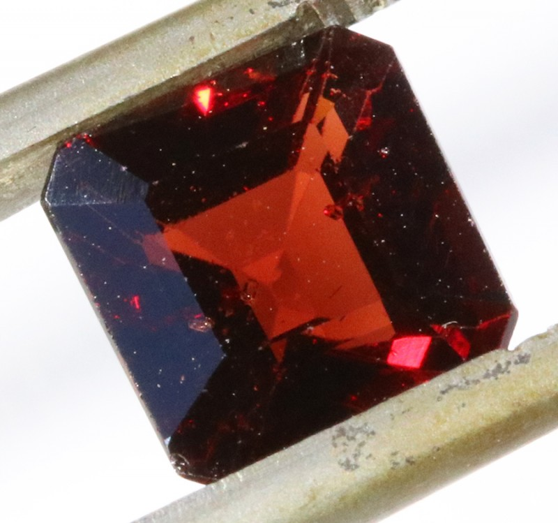 3.05Cts Garnet Gemstone faceted PPP15012