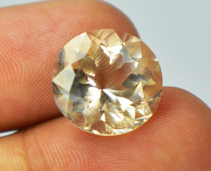12 Carats Yellowish Round Cut Topaz Loose Gem