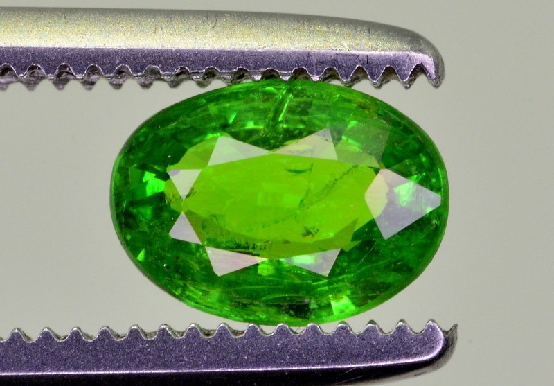 0.65 CT NATURAL TSAVORITE GARNET