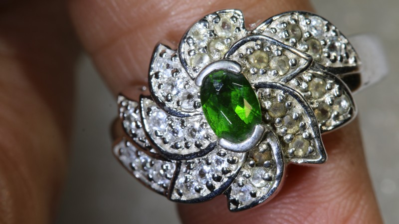 27.3CTS DIAPSIDE AND QUARTZ SILVER RING SG-2583