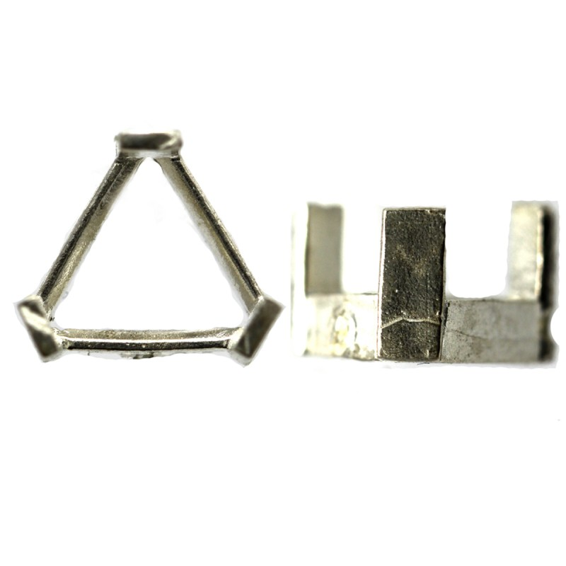Triangular 3 Claw setting Sterling Silver (925) Uncleaned
