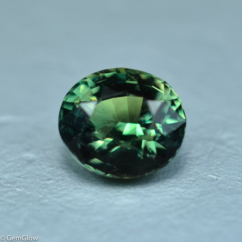 Does Natural Alexandrite Change Color