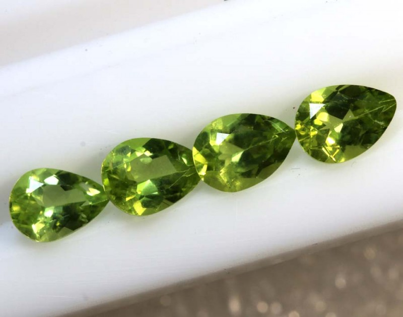 3.1CTS PERIDOT NATURAL FACETED PARCEL 4PCS TBG-2605