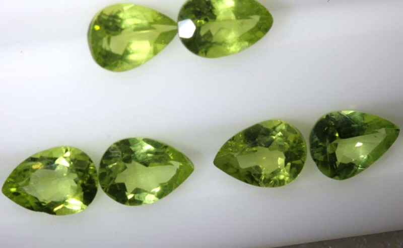 4.5CTS PERIDOT NATURAL FACETED PARCEL 6PCS