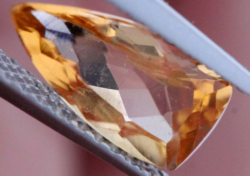 1.44CTS CERTIFIED GOLDEN/SHERRY TOPAZ FACETED GEMSTONE TBM-1369