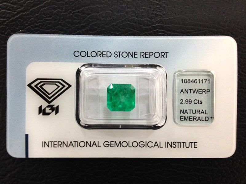 IGI Certified -2.99Cts - Natural Colombian Emerald