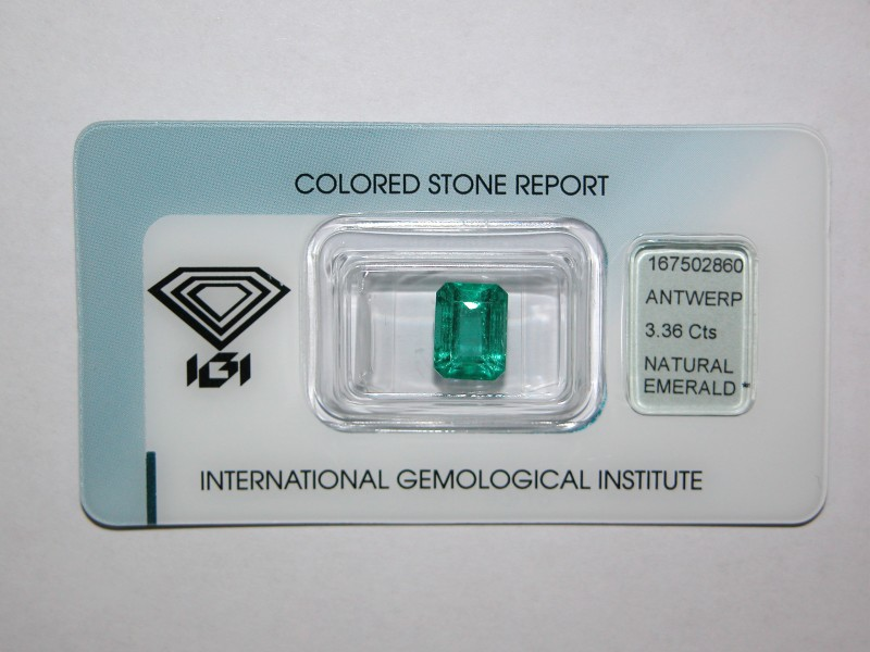 IGI Certified - 3.36Cts - Natural Zambian Emerald
