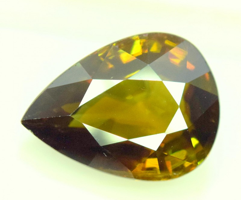 5.10 cts carats AAA Color Full Fire Natural Chrome Sphene from Pakistan