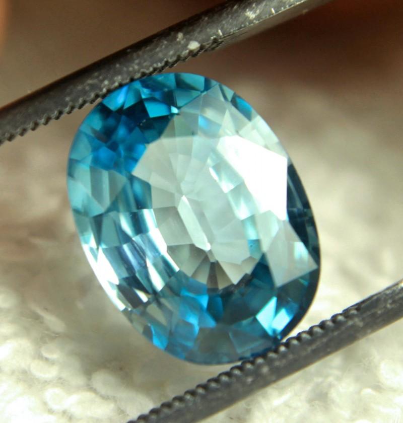 CERTIFIED - 5.70 Carat VVS1 Blue Zircon - Gorgeous