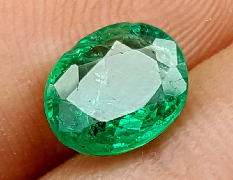 100% Natural Zambian Emerald 1.60 Crt  jle09