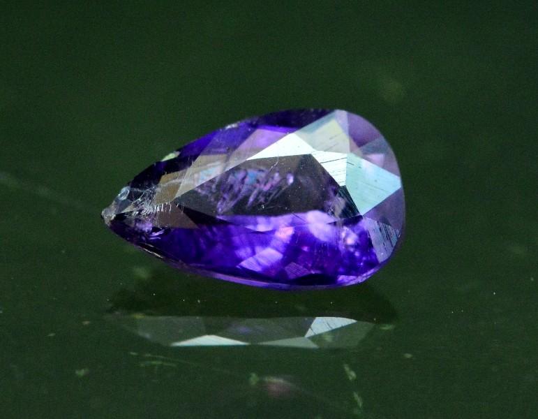 0.50 cts Dazzling Violet Purple Loose SCAPOLITE Gemstone