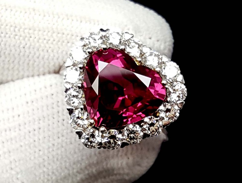 GRS 7.84CT HIGH END NATURAL RUBY & DIAMOND WHITE GOLD RING