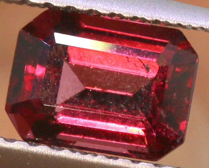 1.15CTS GARNET FACETED STONE PG-2385