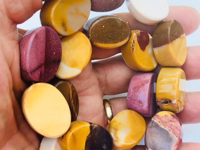 Natural Australian Mookatite strand beads GOGO1797