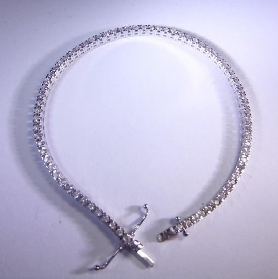 8.32gr 14kt White Gold Tennis Bracelet set with White Diamonds 1.65ct