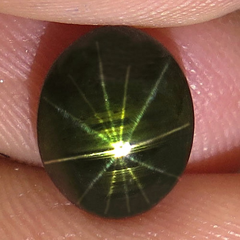 3.25 Carat 12 Ray Thailand Black Star Sapphire - Gorgeous
