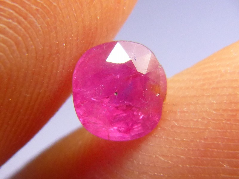 1.57cts Natural Pigeon Blood Burmese Ruby , Untreated Gemstone