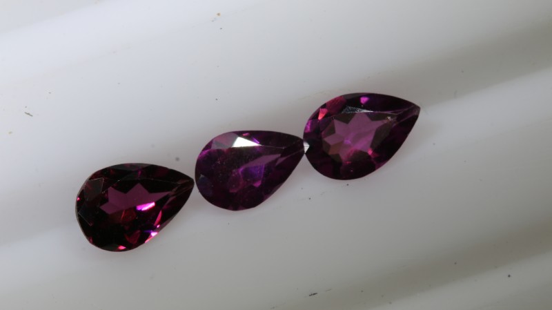 1.25 CTS GARNET FACETED NATURAL STONE TBG-2764