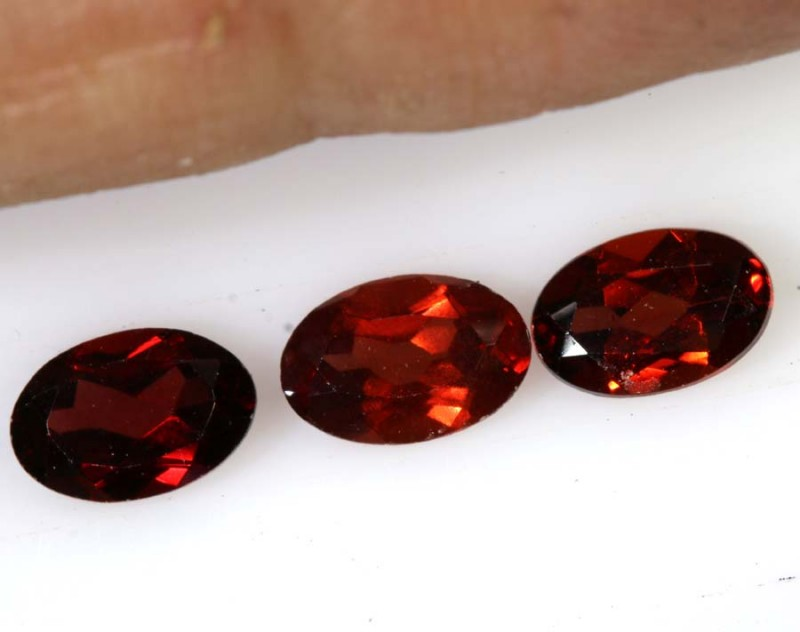 1.65 CTS GARNET FACETED NATURAL STONE TBG-2804