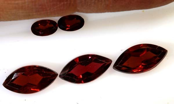 4.90 CTS GARNET FACETED STONE PG-2430