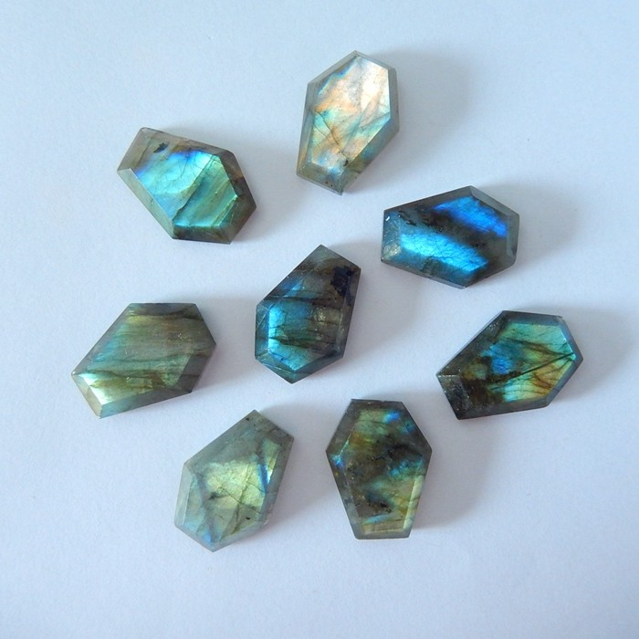 Wholesale,Sell 8pcs Natural Flashy Labradorite Faceted Cabochons(18010801)
