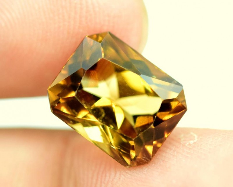 7.00 carats Beautifull french fancy Cut Imperial Color Topaz Gemstone