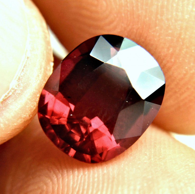 5.47 Carat VS/SI Rhodolite Garnet - Superb