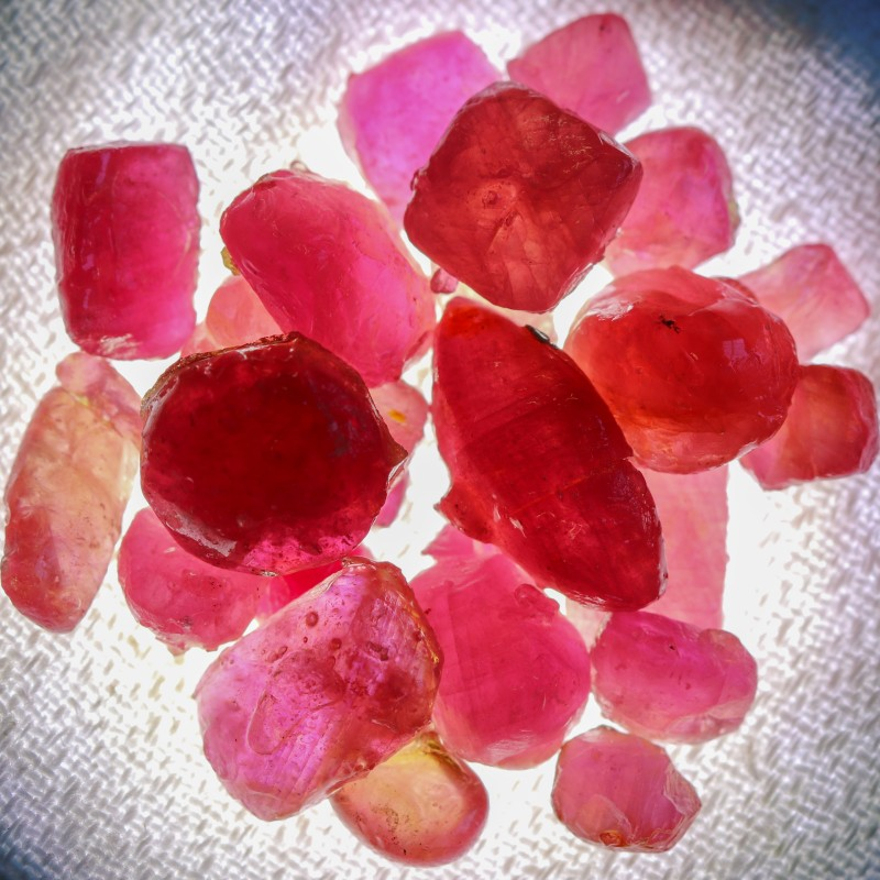 103.10 CTS RUBY ROUGH FROM MADAGASCAR  -TREATED/TRANSPARENT  [F7387]