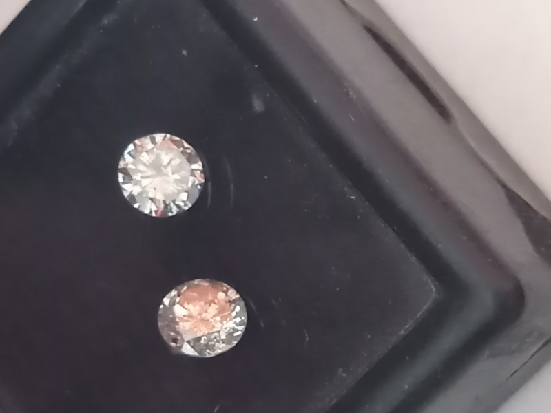 NATURAL WHITE DIAMOND-0.56CTW-2PCS