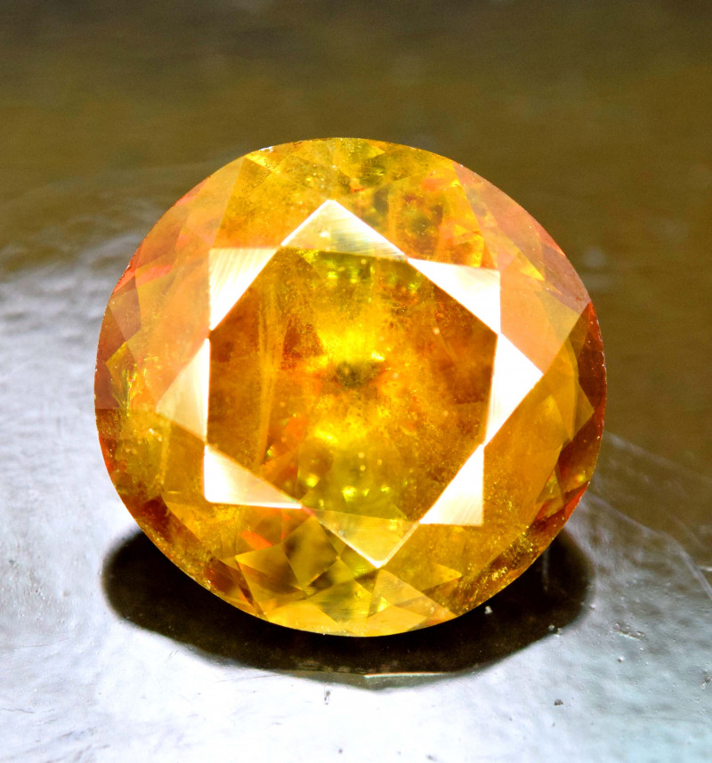 4.85 Carats Round Full Fire Sphene Titanite Gemstone From Pakistan