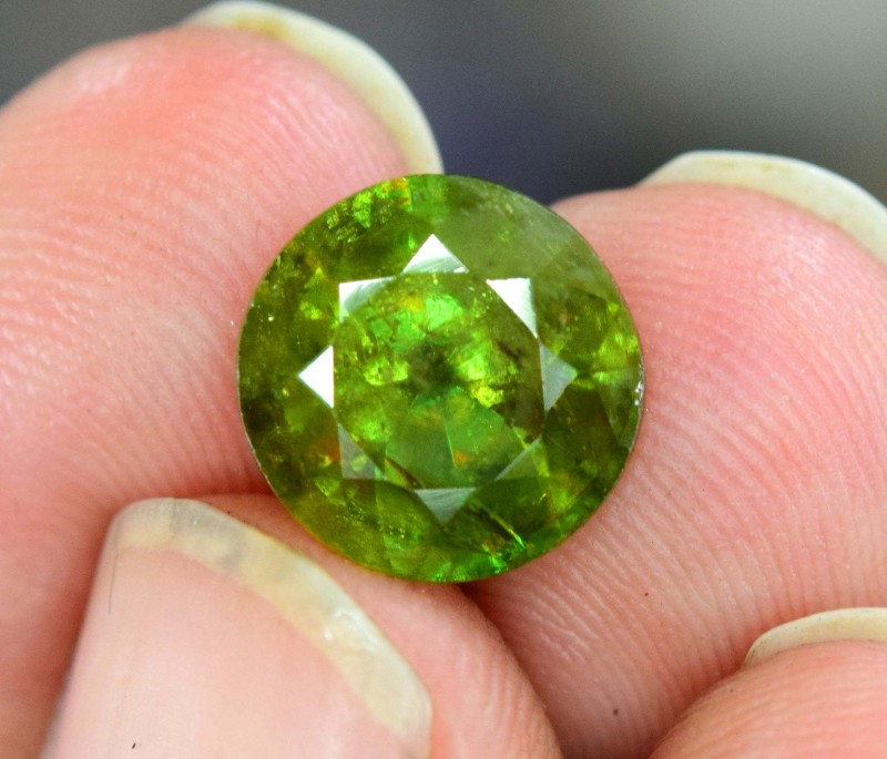 5.80 Carats Carats AAA Color Full Fire Natural Chrome Sphene Loose Gemstone