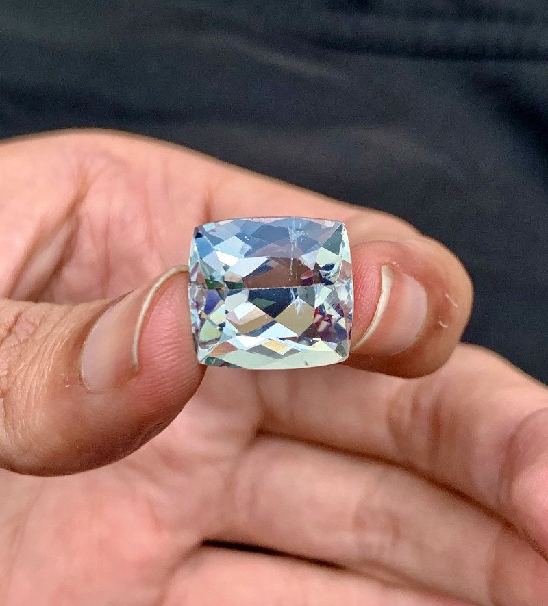 Certified 12.835 cts Square Cut   Untreated Aquamrine Gemstone From Pakista