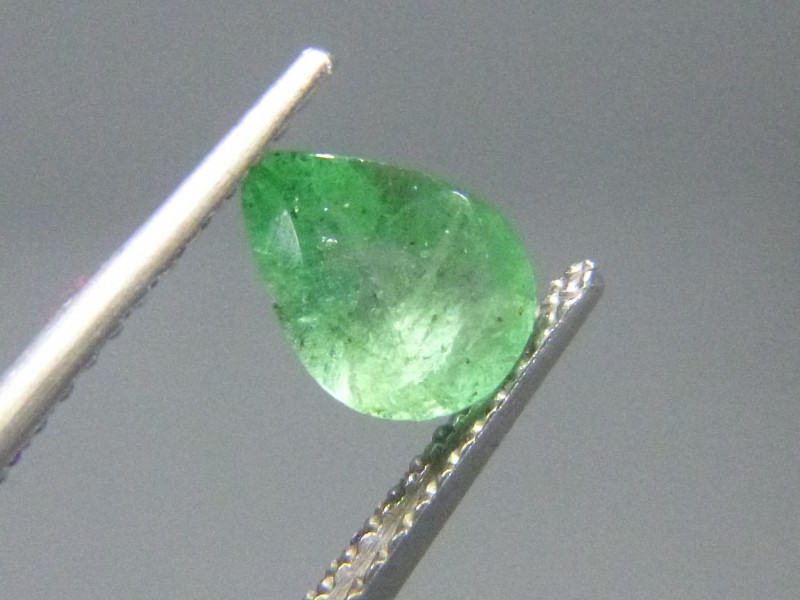 0.76cts  Emerald , 100% Natural Gemstone