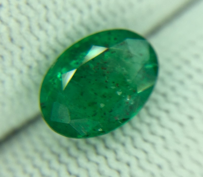 1.61 Ct Natural Green Emerald Good Luster Gemstone Ed6