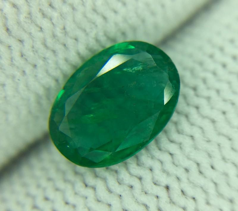 0.96 Ct Natural Emerald Good Luster Gemstone Ed7