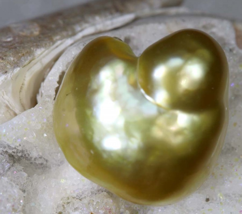 7.9CTS GOLDEN NATURAL KEISHI PEARL SG-2599