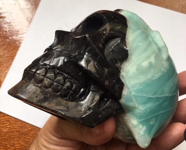 1.295  kilo snake ,blak mask  Amazonite  Gemstone  Skull  SU 707