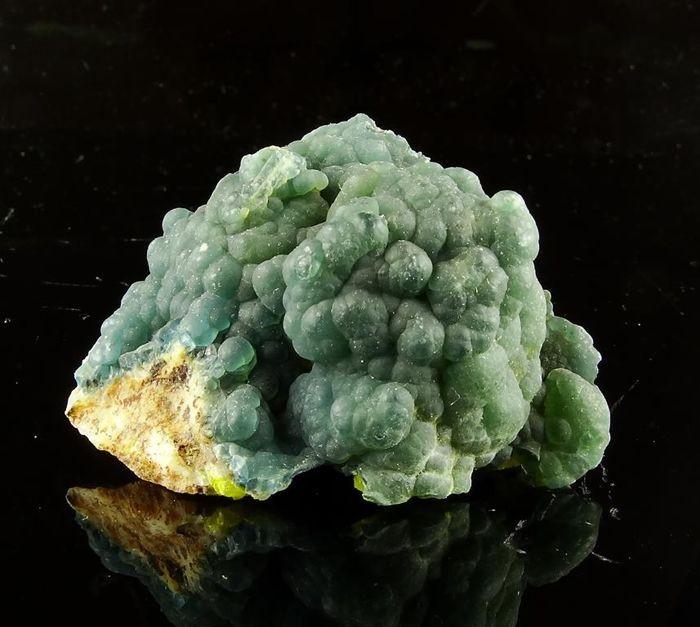 Rare Plumbogummite botryoidal crystals - 44 grams - China