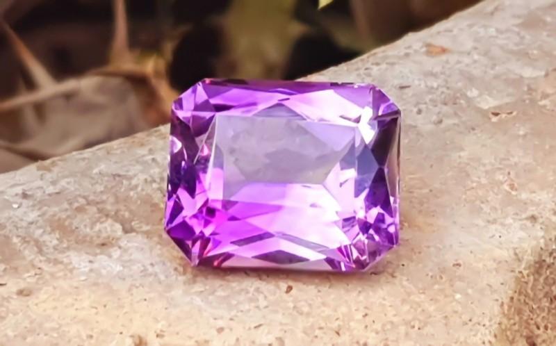 11 Cts Natural  Purplish Internally Flawless Amethyst Gemstone~ Braizl