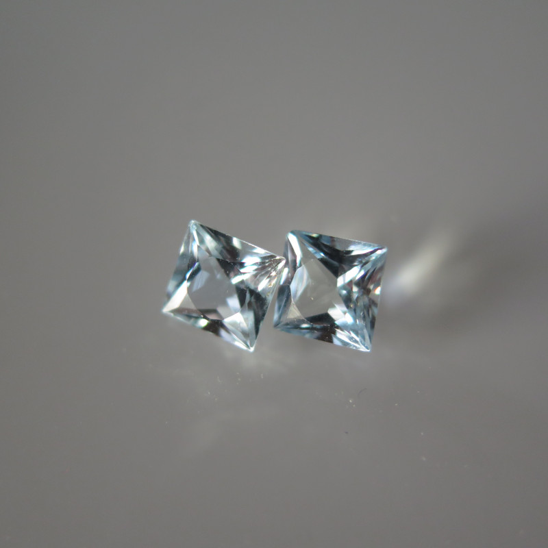 NICE PAIR OF NATURAL AQUAMARINE  6 x 6mm and 2 CTS