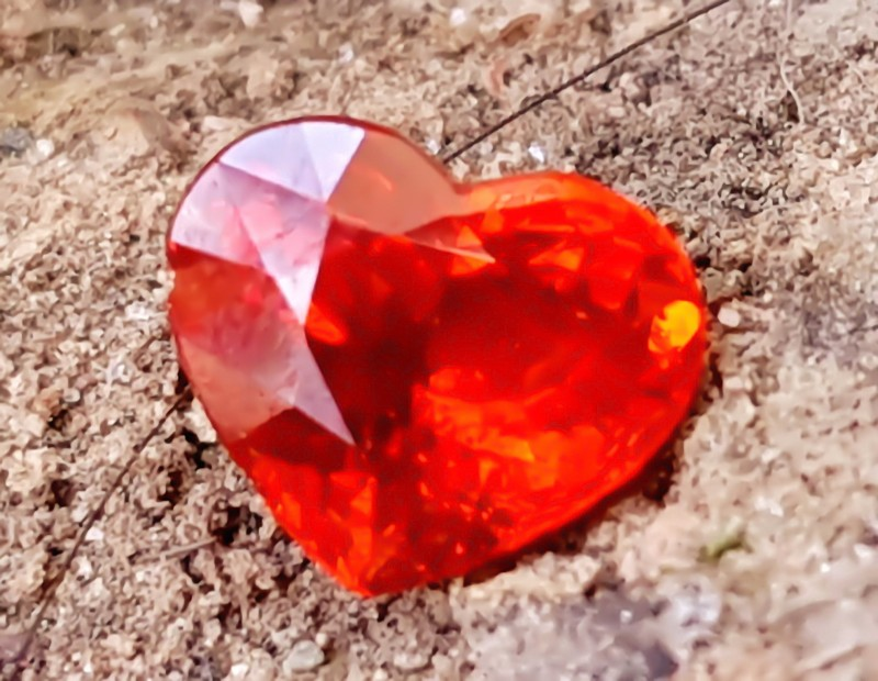 1.40 Cts Full Fire Natural Spessartite Garnet Orange Red HEART shape gemsto
