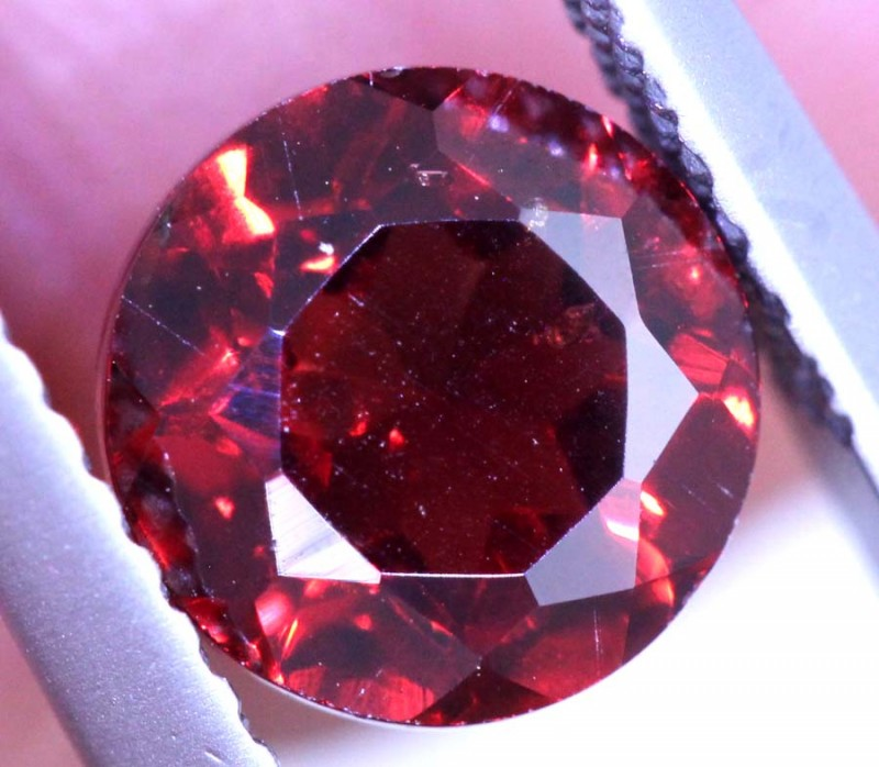 1.75CTS GARNET CAB FACETED CG-2419