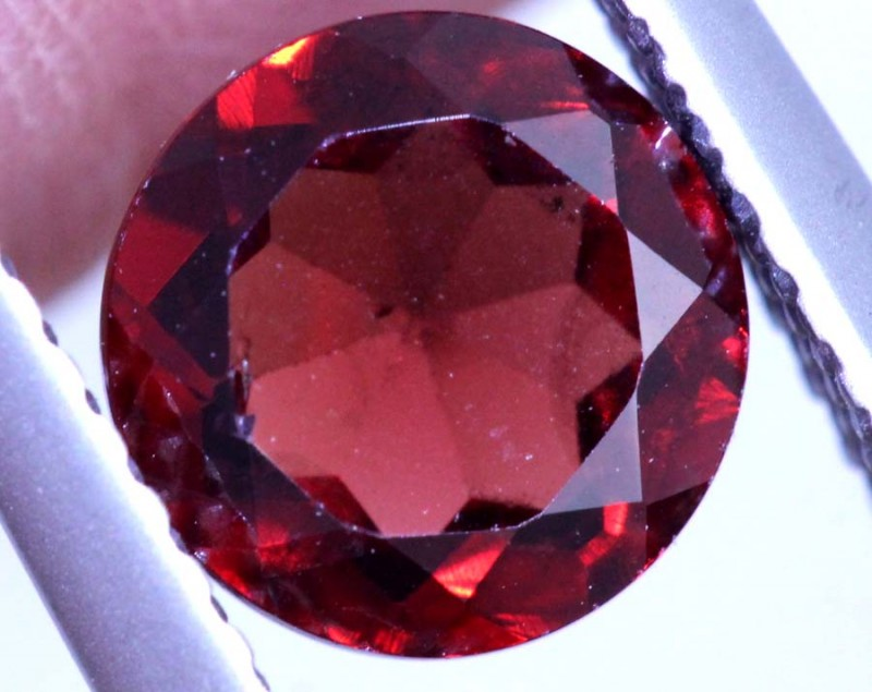 1.45CTS GARNET CAB FACETED CG-2420