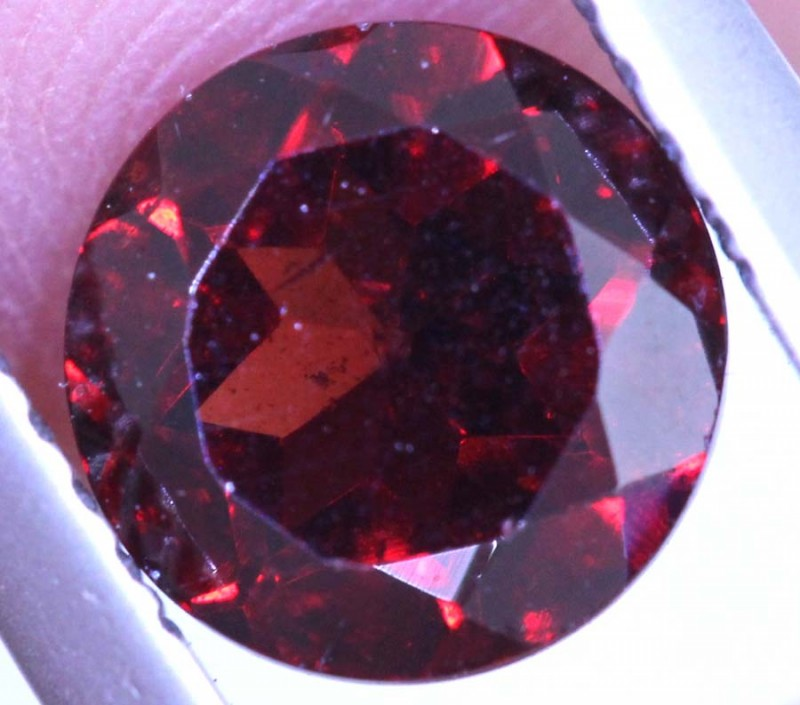 1.7CTS GARNET CAB FACETED CG-2423